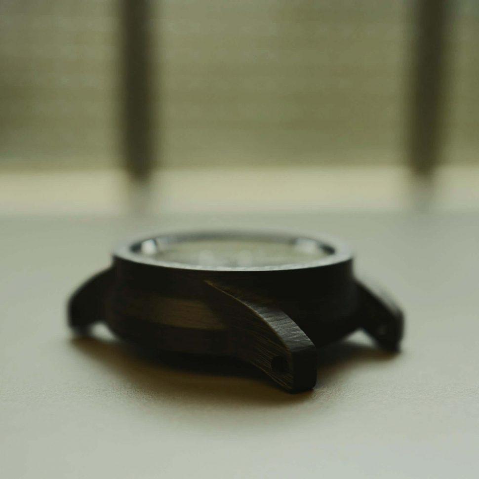 Carbon fibre watch case