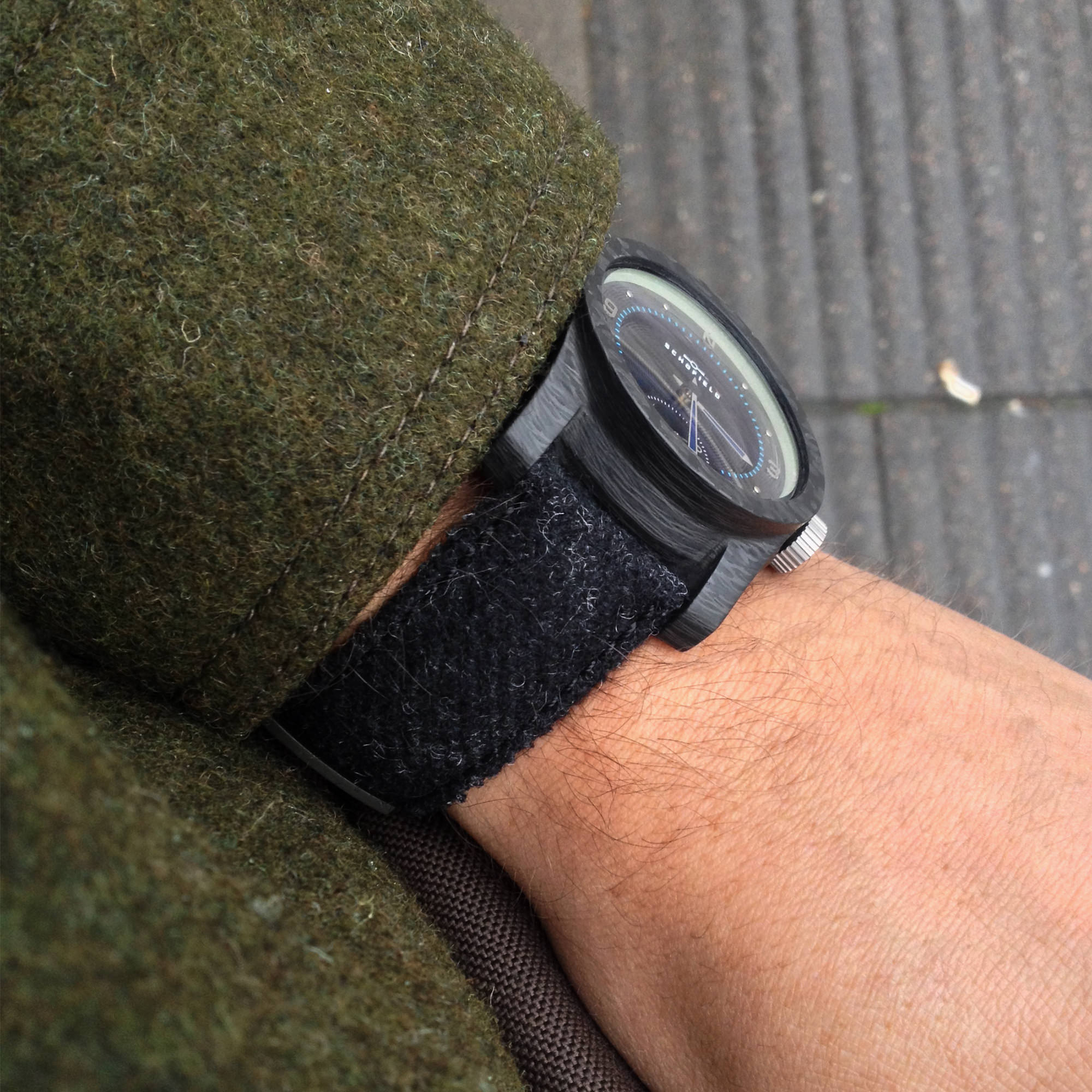 Blacklamp with black tweed strap