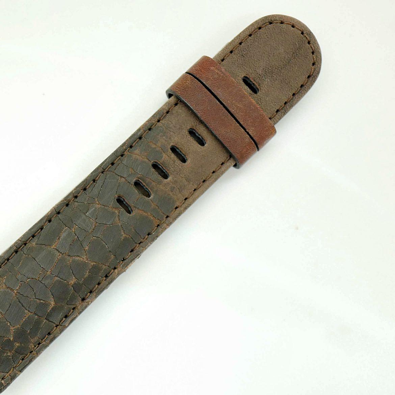 Brown cracked Tigerloaf strap