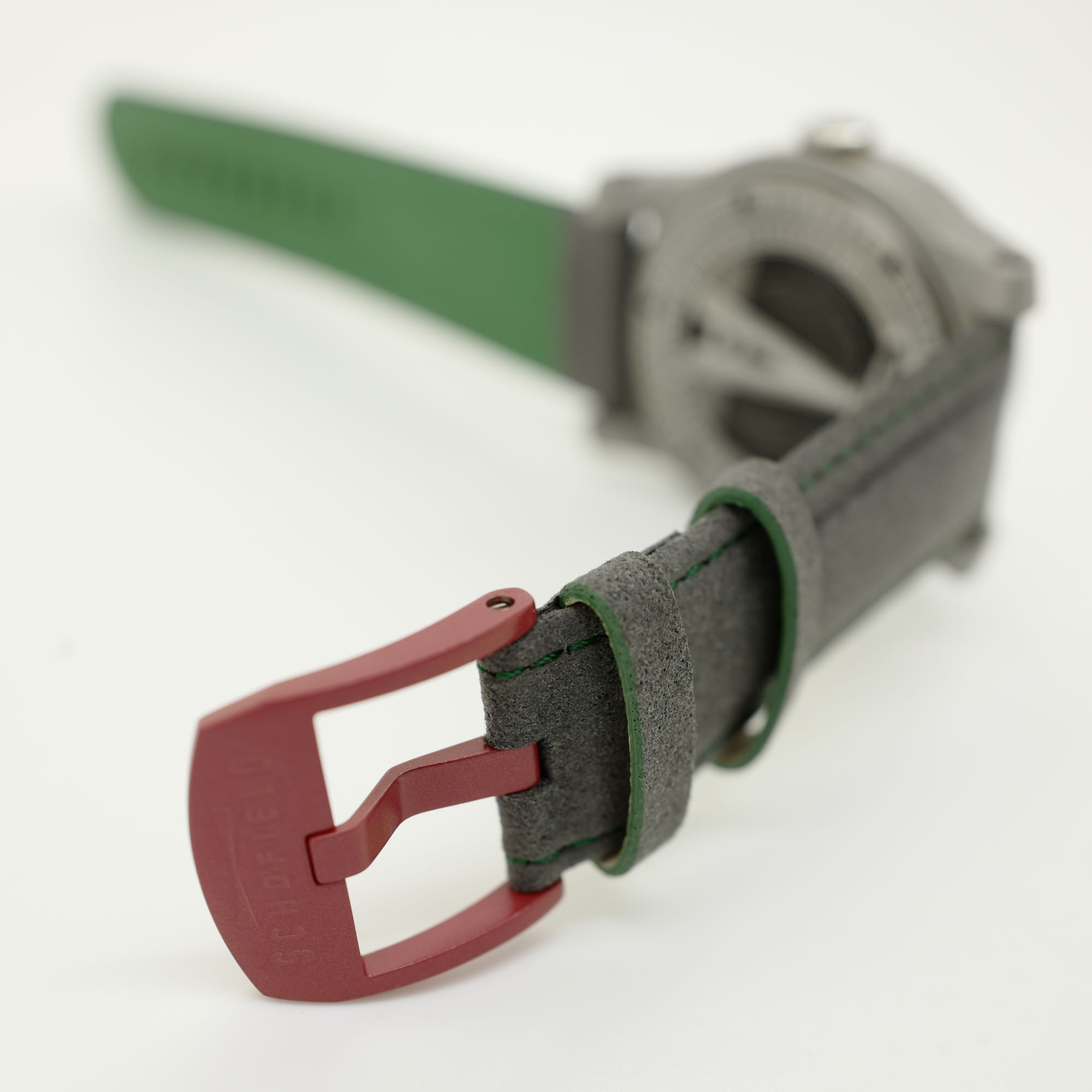 Super Nap strap red buckle